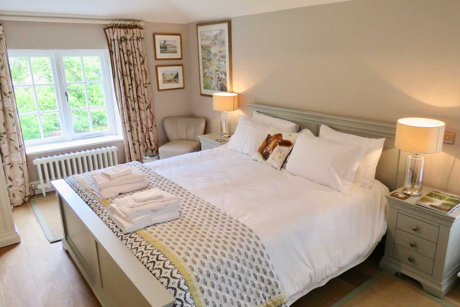 Bed and Breakfast Test Valley England | guest bedrooms offer super-king beds, crisp linens and lovely views